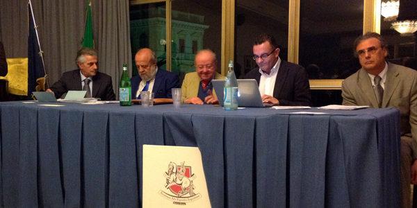 A Napoli, il cavallo e l'uomo : una storia in comune